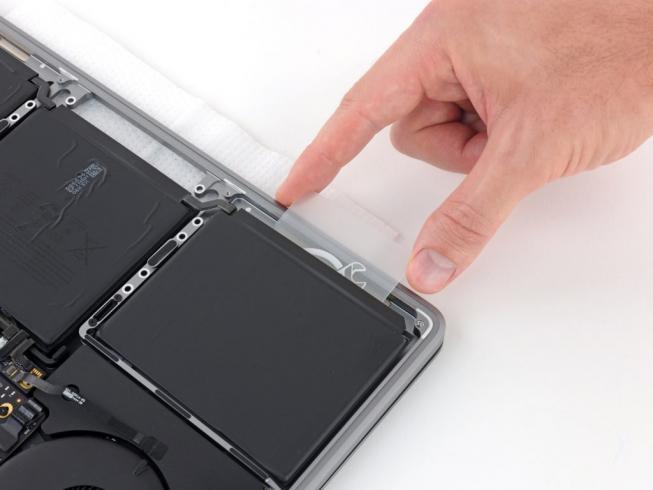Замена аккумулятора MacBook Air 13