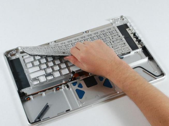 Замена клавиатуры MacBook Air 13