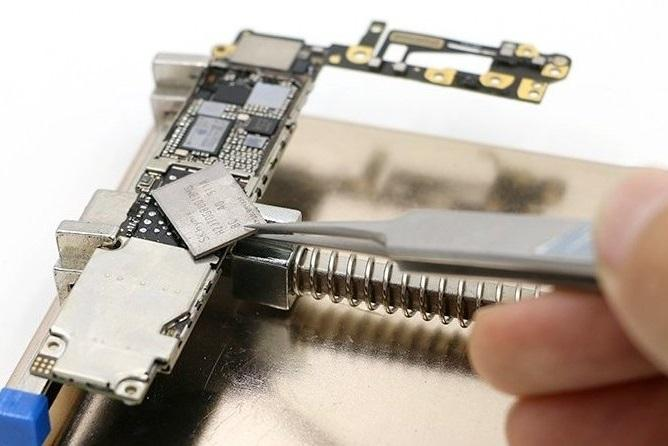 Замена микросхемы памяти Nand iPhone 6S