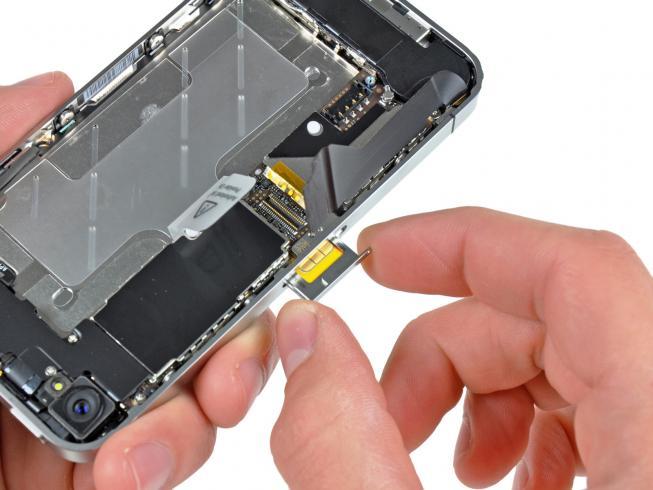Замена SIM-лотка iPhone 5S